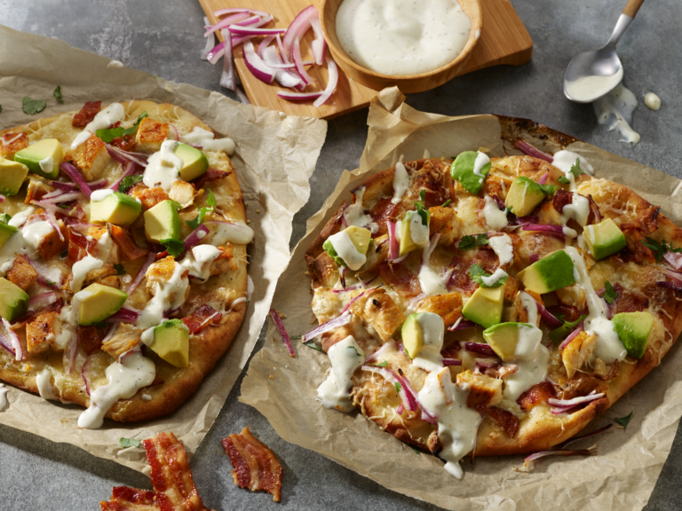 chipotle chicken and ranch flatbread