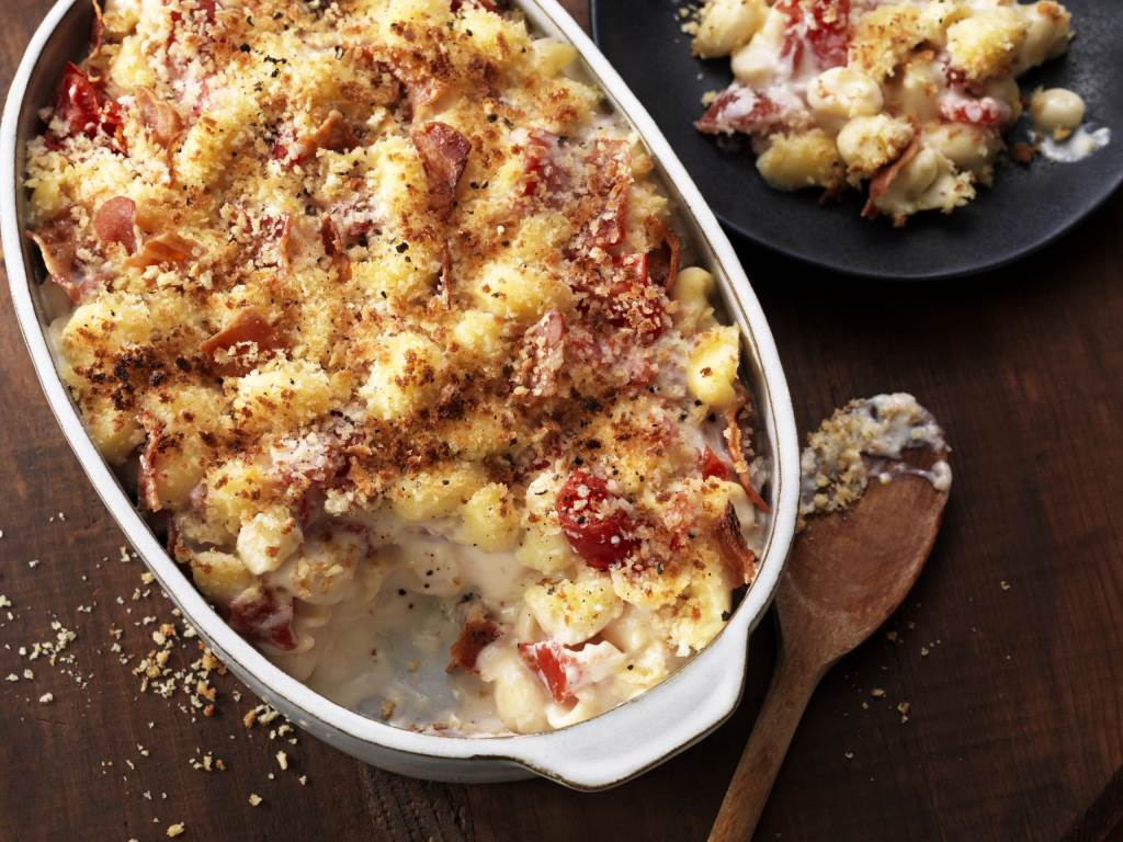 Tomato Bacon Mac & Cheese in casserole dish